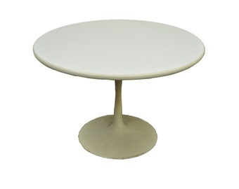 """Vintage Mid Century Modern 42"""" Round White Tulip Base Dining Table Saarinen Style"""