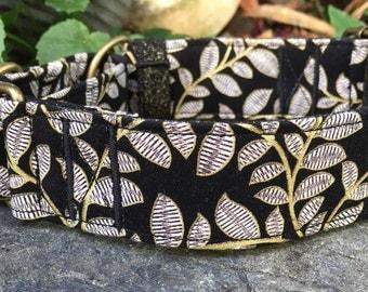 Lace leaf martingale collar
