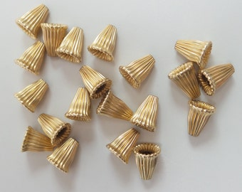 Gold filled corrugated bead cones. Price for 2 bead cone. Vintage. GFBC21