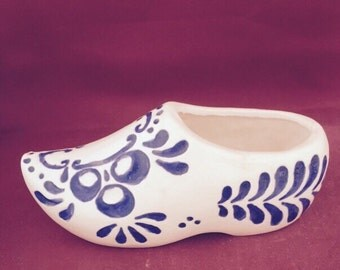 Ceramic Bisque dutch shoe- ready to paint