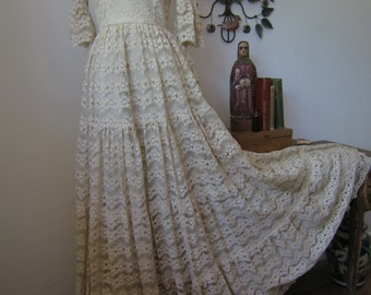 Romantic Vintage Lace Wedding Dress Prom Winter Formal Turn of the Century Full Length Dress Size S/M