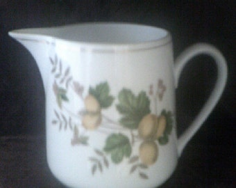 Jug / Pitcher Chinese Gooseberries (Large)