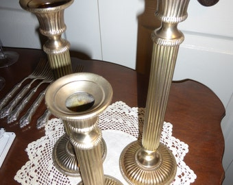 Beautiful well-cast trio brass candle holders GW1LLP4RQ99