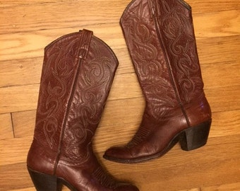 Vintage womens brown cowboy boots/Western/Danpost/Size6.5/7.5