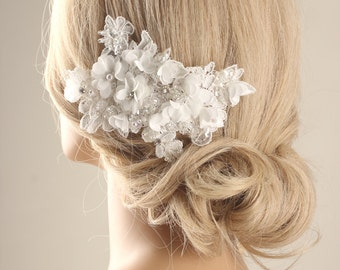 Bridal hairpiece, flower hair comb, Bridal hair comb, flower hair comb, lace hair accessory, wedding headpiece, wedding hair comb