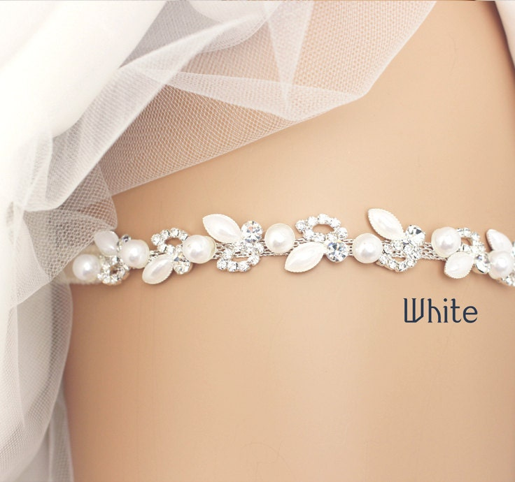 White Wedding Garter: Wedding Garter Bridal Garter Lace Garter White Garter