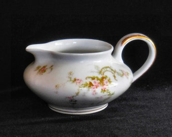 Theodore Haviland, Limoges Porcelain Cream Pitcher in the Schleiger 318a pink roses pattern by