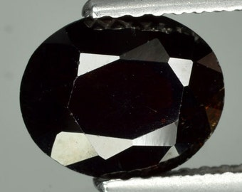 Genuine Faceted Garnet Gemstones - 2.1  Ct, 8.6 X 7.2 X 3.8 mm Faceted Oval Gems C128