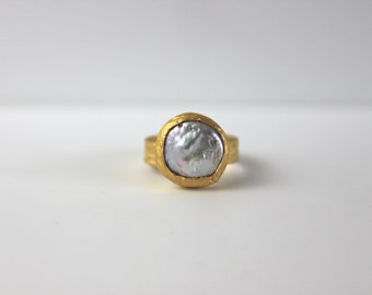 Bronze Golden Ring with mother of pearl (sedefi)