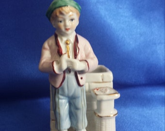 """Victorian China Fairing """"Fresh Chestnuts for Sale"""" Posy Holder ."""