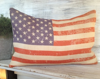VINTAGE AMERICAN FLAG,Pillow