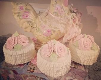 Ruffle baby rose cake