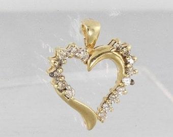 Super Sale Lovely Ladies Vintage Yellow Gold 10K Diamond Heart Pendant Jewelry