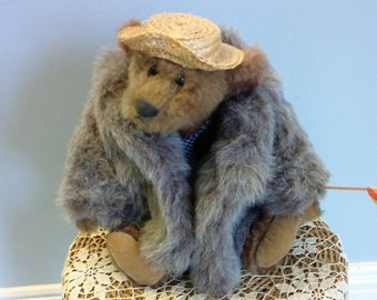 Boola Boola bear by Linda Spiegel for the Bearly There Co.