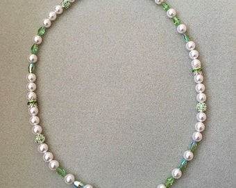 Peridot and pearl necklace