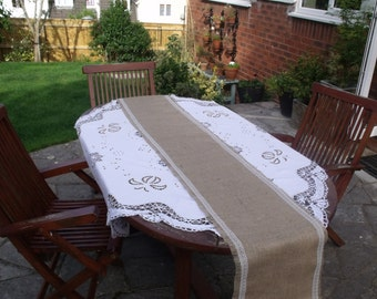 Hessian Table Runner with Vintage Style White Lace 2m
