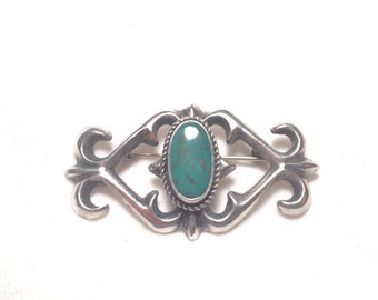 Beautiful design vintage 925 sterling silver  brooch / pin with turquoise