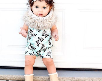 Girl scarf,scarves,baby girls clothing,girls,kids winter scarf,knit scarf,faux fur,crochet,accessories,trendy clothes,baby girls clothes,