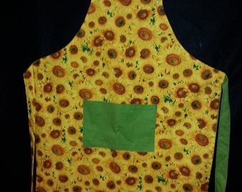 Apron with Bright and cheery sunflowers.