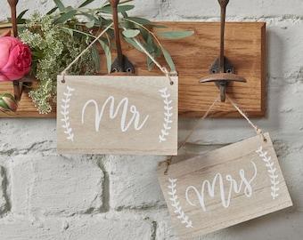 Wedding Signs | Boho Wedding | Mr & Mrs Signs | Wooden Wedding Signs