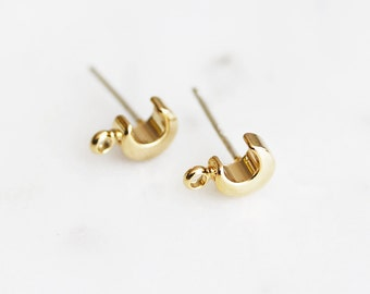 N3-096-G] Crescent Moon / 6mm / Gold Plated / Post Earring / 4 piece(s)