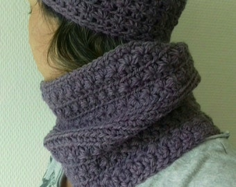 Snood crocheted: Star. 100% wool