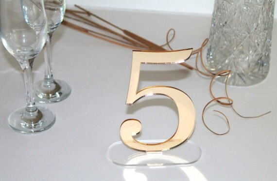 """Gold mirror table freestanding numbers Wedding centrepiece Wedding sign Reception Engagement party Laser cut acrylic numbers Clear base 6"""""""