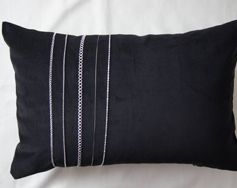 Chain decor, black velvet pillow
