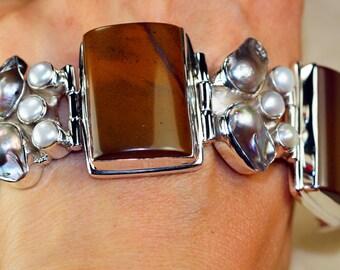 Genuine Mookaite with Biwa Pearl, River Pearl set in 925 Sterling Silver Bracelet, Healing Stone