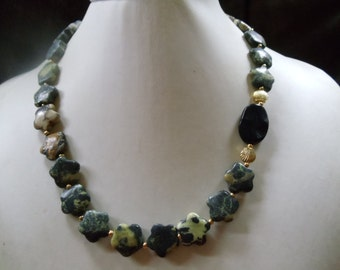 Yellow turquoise with Onyx