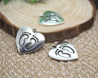 10pcs--Baby Feet Charms, Antique Tibetan silver Baby Feet in Lovely Heart charm pendants 20x22mmD1276