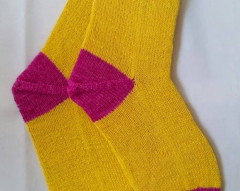 Socks in banana-yellow and pink, size 37