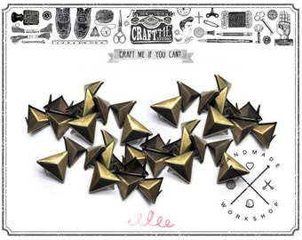 50PCS 12MM ANTIQUE Brass TRIANGLE pyramid studs Glam rock biker NAILHEADS Leathercraft