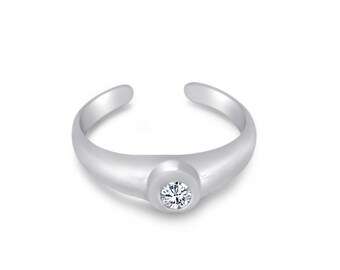 Sterling Silver Round cubic zirconia hand casted toe ring.