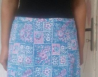 Vintage apron, half kitchen apron, floral apron with pockets,