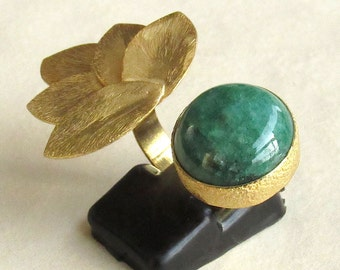 Green Corundum Ring with Gold Leaves, Statement Ring, Adjustable Ring, Emerald Green Ring