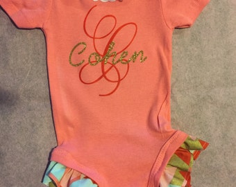 Personalized baby outfit with ruffled legs