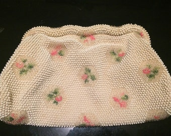 1950s petite Lumured beaded purse adored with flowers