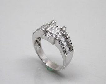 Vintage Art Deco 18 k White Gold 1.44 ct Diamond Engagement ring