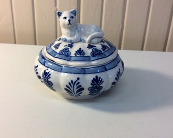 Royal Delft blue trinket box
