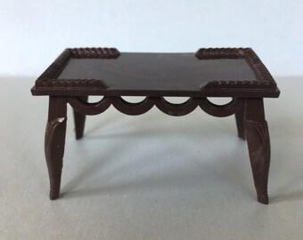 Renwal Dollhouse Miniature Coffee Table 1:16 plastic Furniture