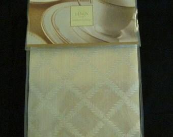 Elegant Lenox Tablecloth American by Design