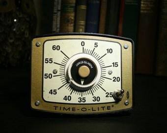 Vintage Time-O-Lite GR-90 Darkroom Timer