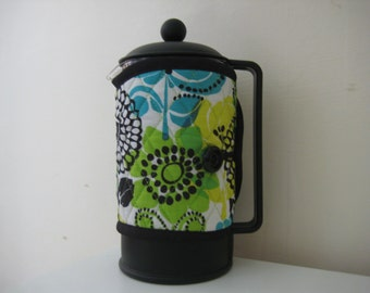 Quilted cafetiere cosy with flower and leaf motifs