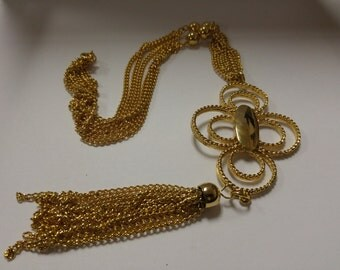 Vintage Unsigned Gold Tone Tassel Necklace