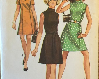"""VTG 8588 Simplicity (1969) misses' dress. Size 14, Bust 36"""". Complete, unused, factory folded.  Excellent condition."""