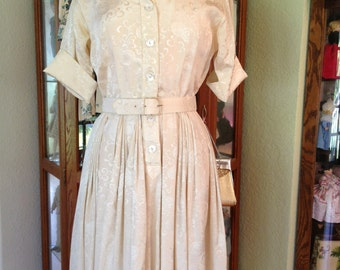 Vintage 1950's * 1960's Cream Jacquard Dress * Size Medium * Miss Serbin