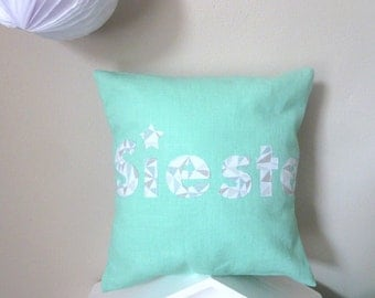 Small cushion NAP lin mint graphic