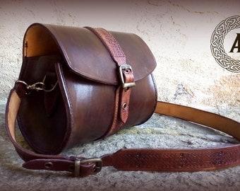 Small Shoulder celtic brown leather bag