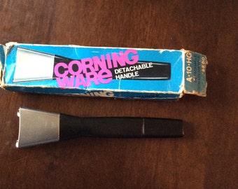 Corning ware detachable handle